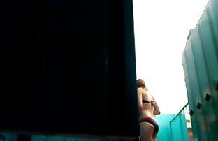 Rubia británica follada videos eroticos en español latino vestida de enfermera en un trío