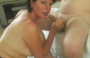 Caliente latina gf sexy hentay latino trabajando con el pie cum en pantalones