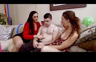 Dos amigas porno en audio español latino besándose 3
