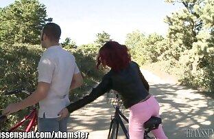 Morena se arrodilla delante de su hombre para chuparle porno subtitulado español latino la gran polla