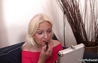 Zorra de video porno audio latino chocolate con curvas dedos su apretada caja húmeda